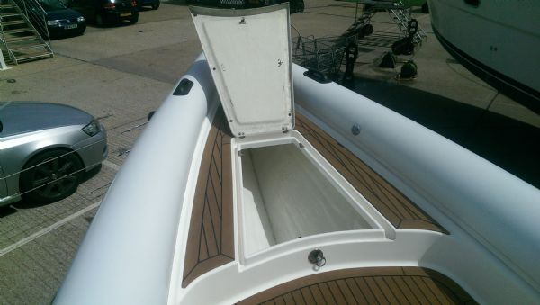 scorpion 8.5m rib with twin mercury 225 (5)_l