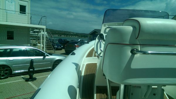 scorpion 8.5m rib with twin mercury 225 (8)_l