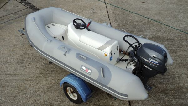 avon 315 rib with yamaha f15 from above(1)_l