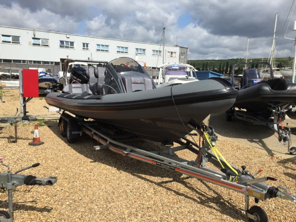 ribquest 7.3 rib with suzuki df250 and trailer - front_l