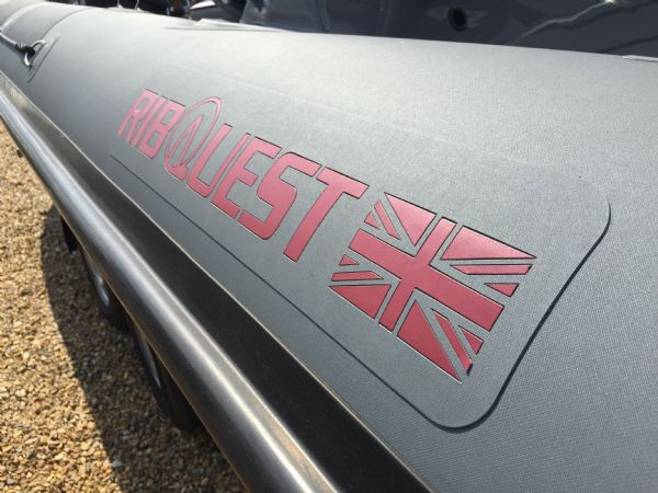 ribquest 7.3 rib with suzuki df250 and trailer - logo_l