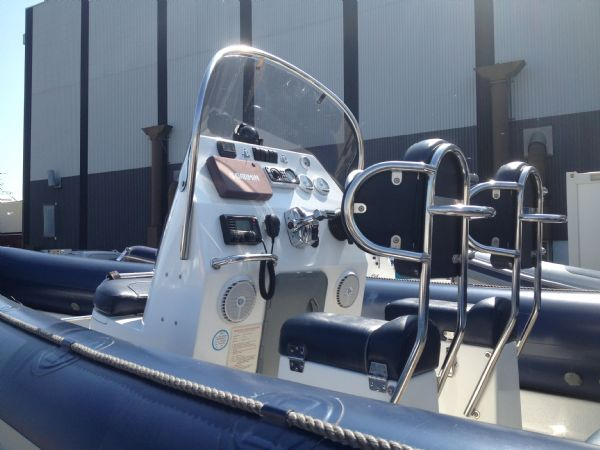 ribcraft 6.8 with mercury 200hp console 2_l