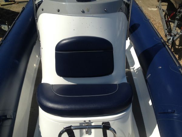 ribcraft 6.8 with mercury 200hp console seat_l