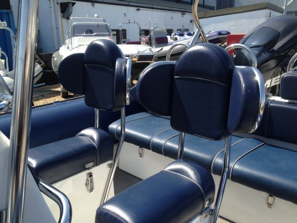 ribcraft 6.8 with mercury 200hp seating_l