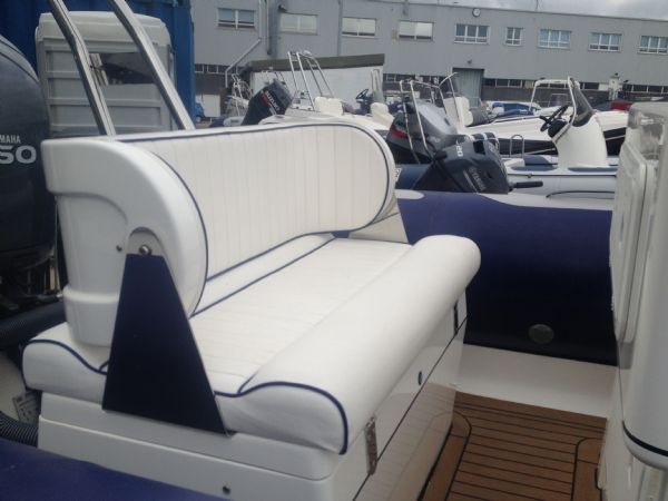 avon 620 with yamaha 150hp outboard bench_l