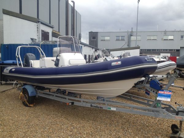 avon 620 with yamaha 150hp outboard main_l