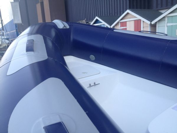 avon 620 with honda 130hp outboard bow_l