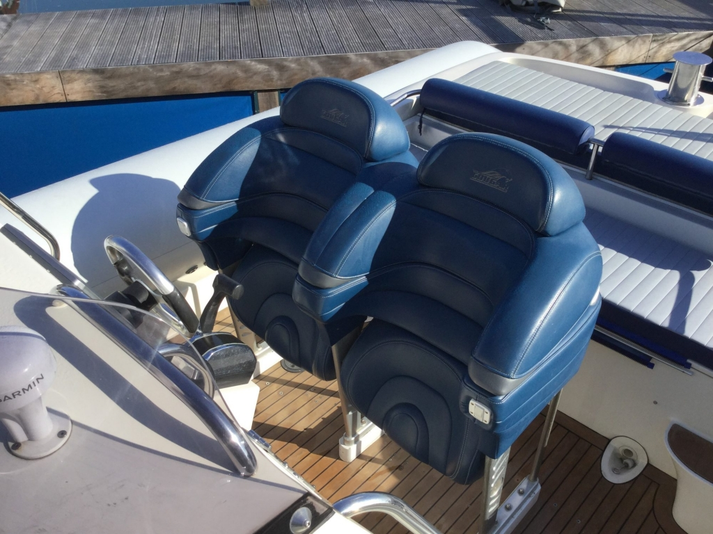 Brokerage - 1622 - Cougar C10 RIB with Yanmar 315 inboard engine - Helm seats