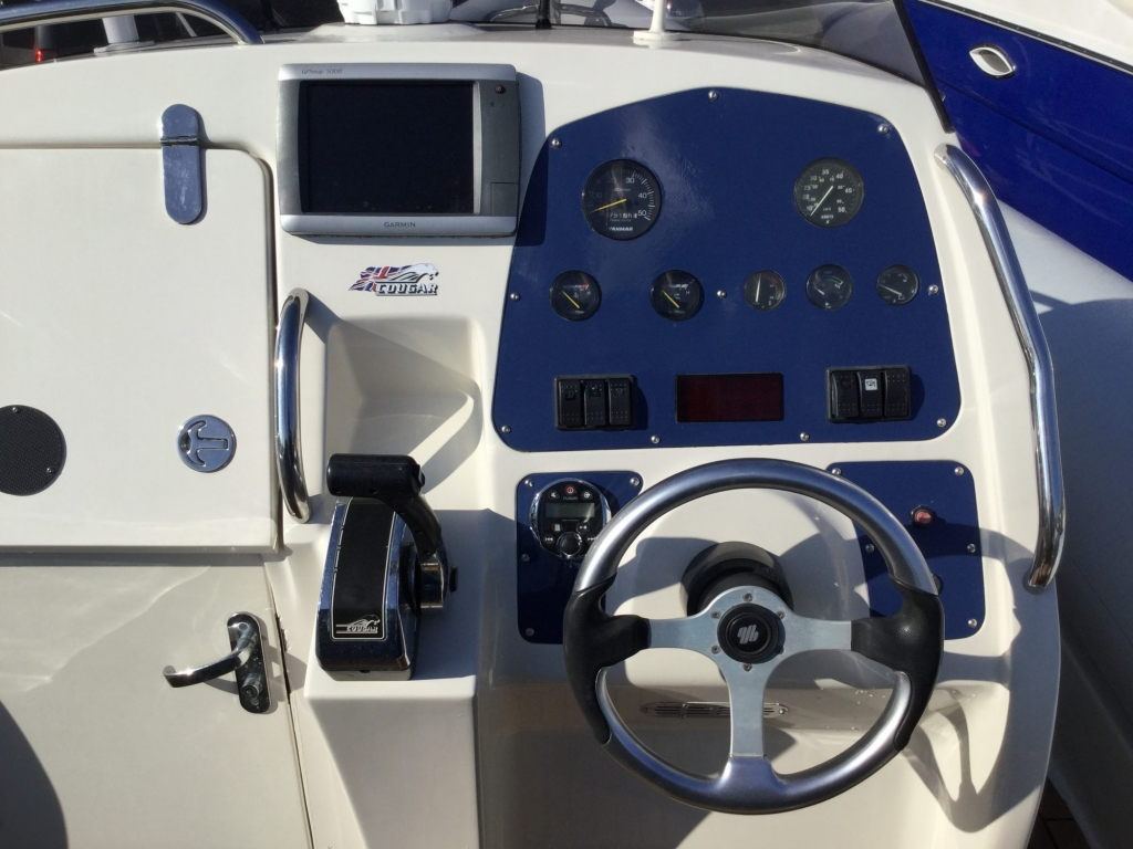 Brokerage - 1622 - Cougar C10 RIB with Yanmar 315 inboard engine - Instruments