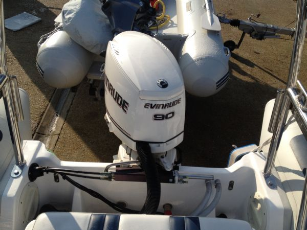 ballistic 5.5m with evinrude 90hp engine_l
