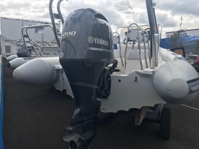 1612 - 2016 Ballistic 650 RIB with yamaha 200hp engine (28)