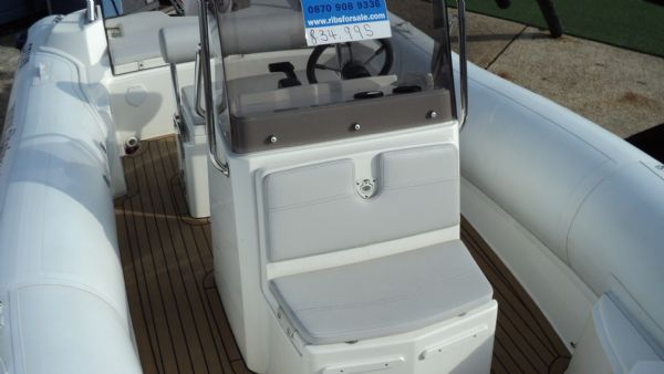 stock - 1286 - selva d630 emotion rib with selva 150 xsr engine - console seat_l