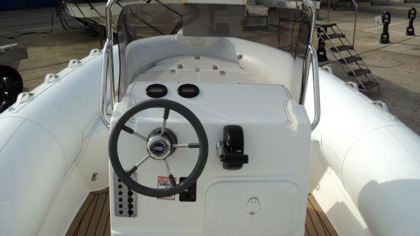 stock - 1286 - selva d630 emotion rib with selva 150 xsr engine - helm_l