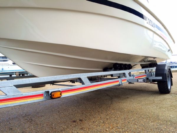 selva 5.8 open classic line with selva 100hp hull_l