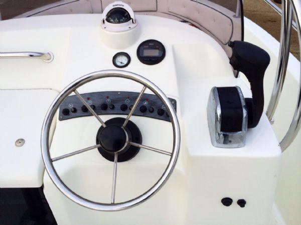 selva 5.8 open classic line with selva 100hp steering wheel_l