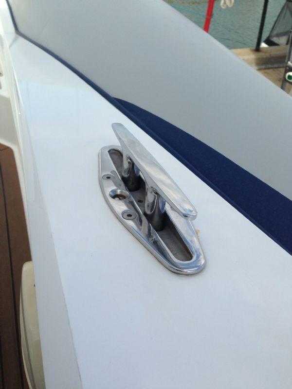 cougar r11 rib with twin yanmar 260hp - pop-up cleat_l