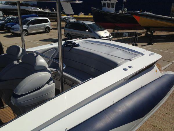 cougar r11 rib with twin yanmar 260hp - rear sun pad_l