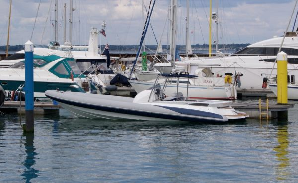 cougar r11 with twin yanmar 260hp - afloat_l