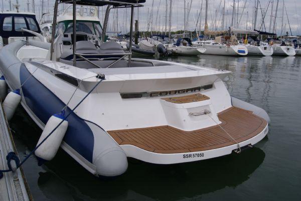 cougar r11 with twin yanmar 260hp - stern_l