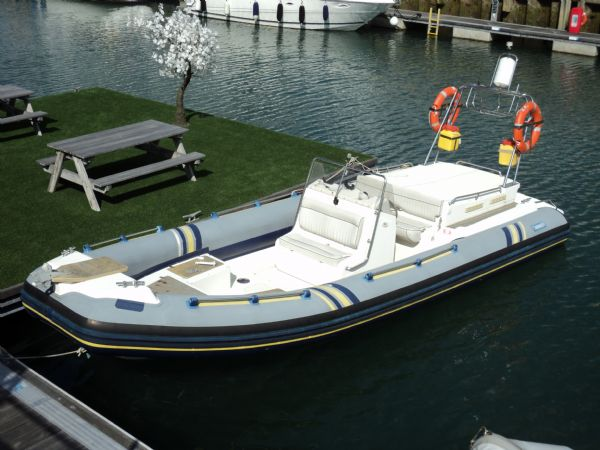 stock-marlin-760-with-inboard-diesel-engine-on-water-l - thumbnail.jpg