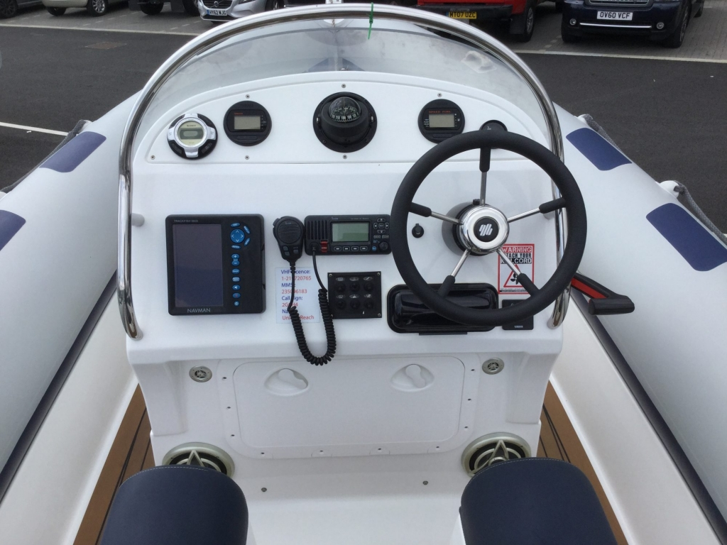 Stock - 1599 - Ribeye 785S Rib with Yamaha 250hp engine - Console (2)