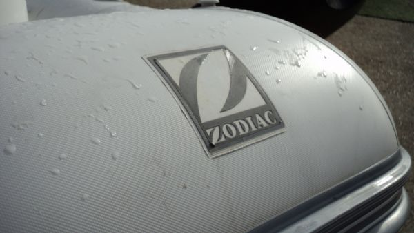 zodiac 3.4 rib with yamaha 25 zodiac emblem_l