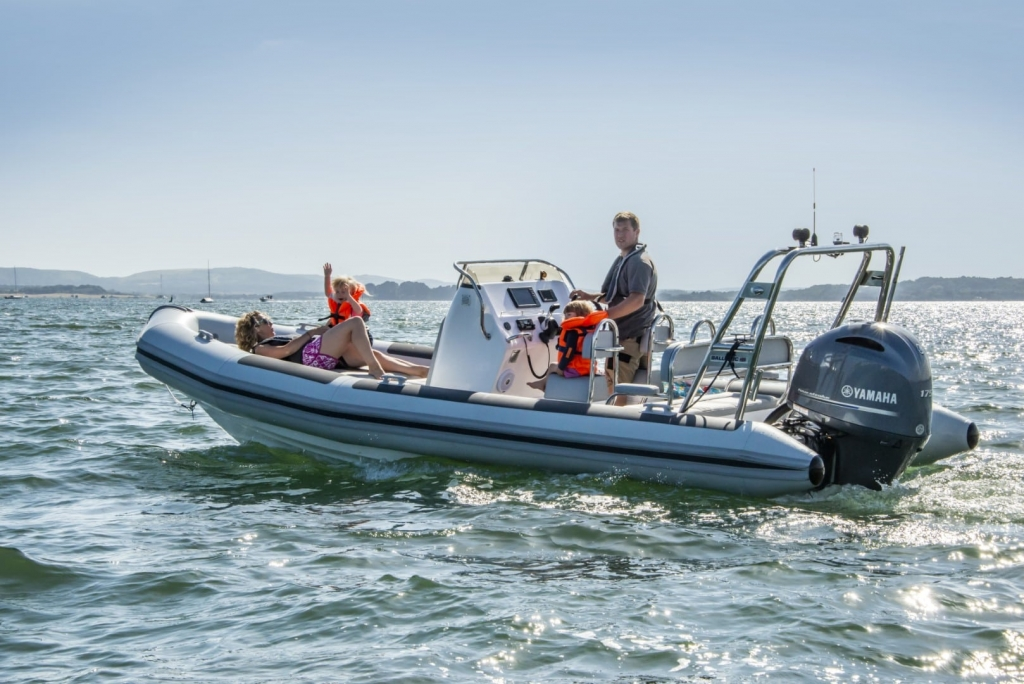 New Ballistic 650 Sport with Yamaha engine - On water 6