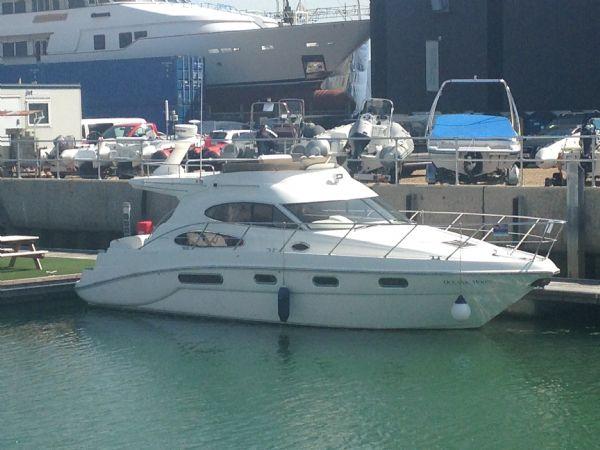 sealine-f37-motor-yacht-with-twin-volvo-kamd-44p-b-diesel-engine-main-l - thumbnail.jpg