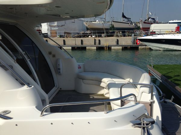 sealine f37 motor yacht with twin volvo kamd 44p-b diesel engine - outside aft seating_l