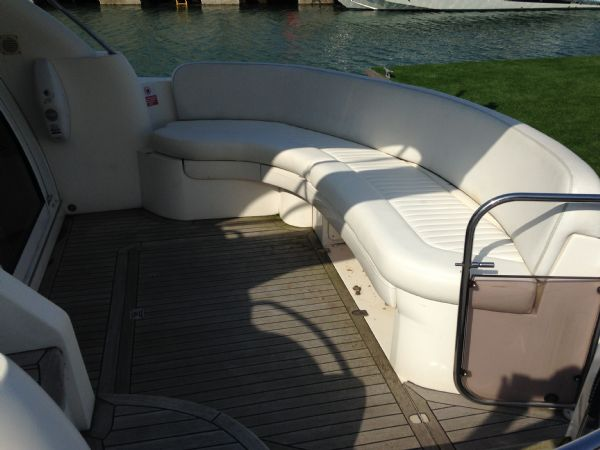 sealine f37 motor yacht with twin volvo kamd 44p-b diesel engine - outside seating_l
