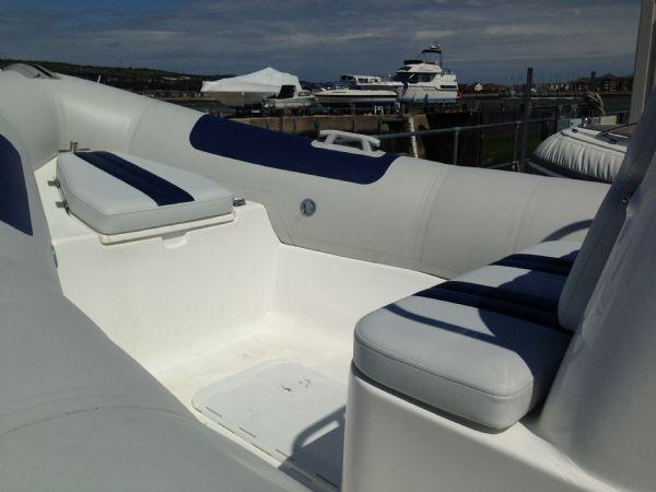 ballistic 6 rib with yamaha f100 - bow seating_l