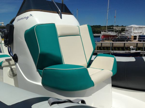 rib x 650 rib with evinrude 150 - console seat_l