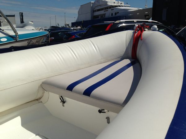 walker bay wildcat rib with evinrude 75 - anchor locker seat_l