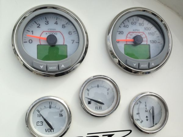 pascoe sr7 rib with 2013 evinrude 250 ho - engine gauges_l