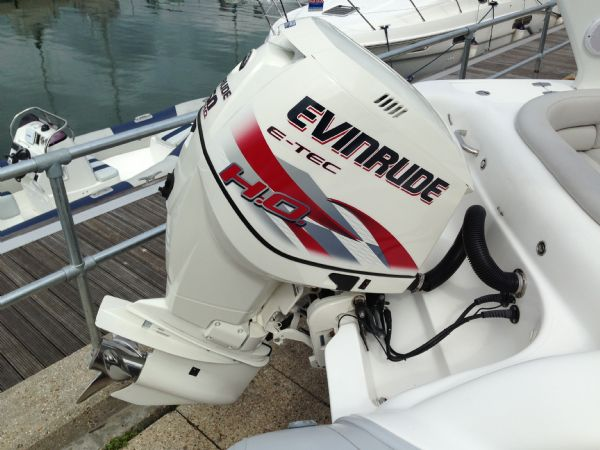 Pascoe SR7 RIB with Evinrude 250HP ETEC Outboard and Roller