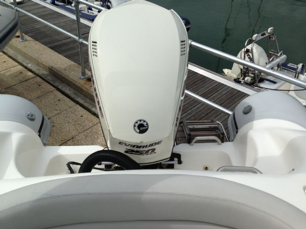 pascoe sr7 rib with 2013 evinrude 250 ho - rear_l