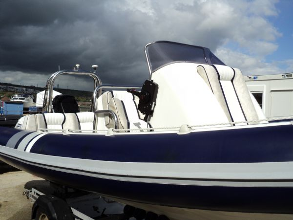 cobra 6m rib with mariner 135 outboard - starboard_l