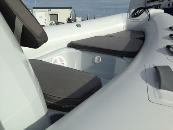brig eagle 650 rib with suzuki df 150 - bow seating_l