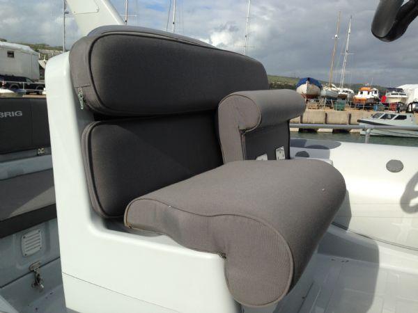 brig eagle 650 rib with suzuki df 150 - helm seat_l