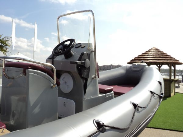 azure 520 rib with honda 75hp outboard engine - console and bow 7_l