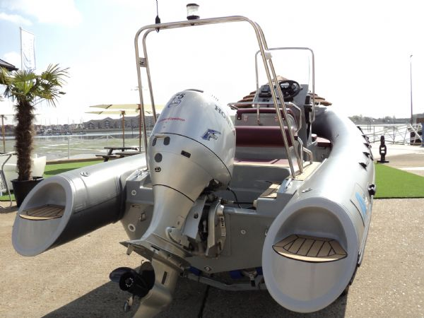 azure 520 rib with honda 75hp outboard engine - transom 5_l
