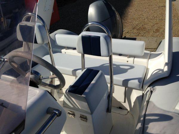 used brig 600 rib with yamaha 4stroke helm seat_l
