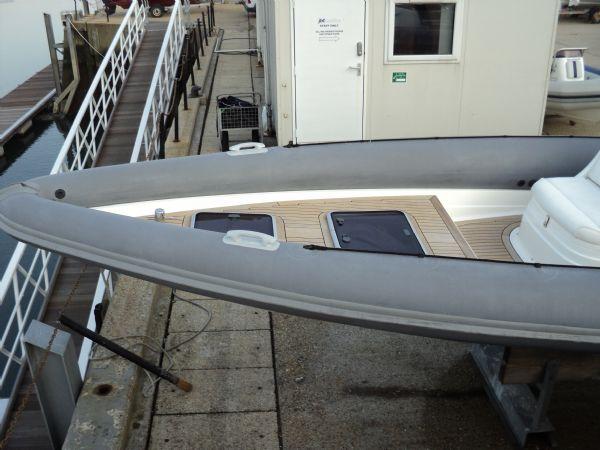 revenger 29 rib with yanmar diesel inboard - bow 2_l