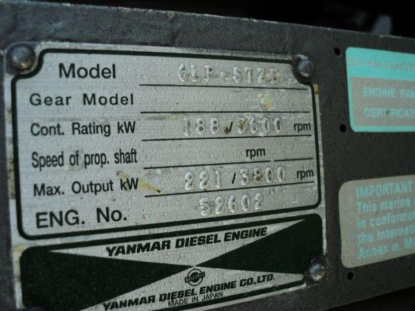 revenger 29 rib with yanmar diesel inboard - engine plate_l