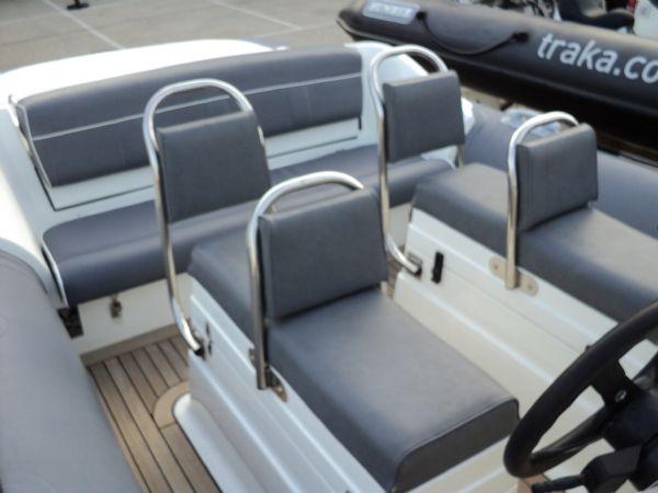 revenger 29 rib with yanmar diesel inboard - jockey seats_l