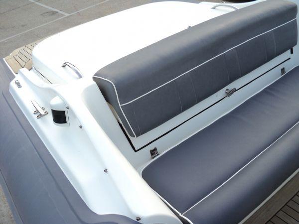 revenger 29 rib with yanmar diesel inboard - rear_l