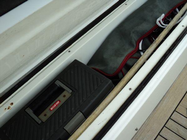 revenger 29 rib with yanmar diesel inboard - rear locker_l