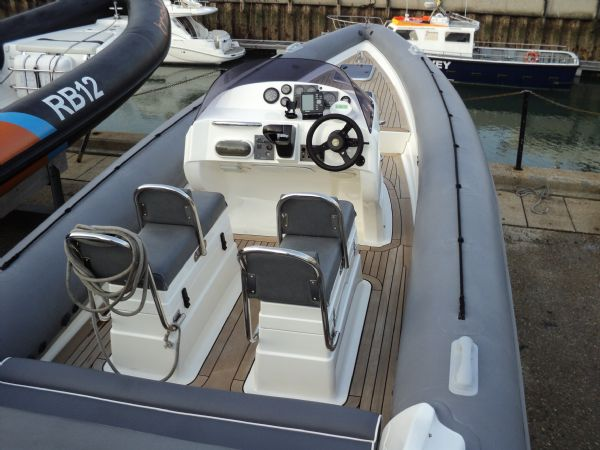 revenger 29 rib with yanmar diesel inboard - seating 2_l