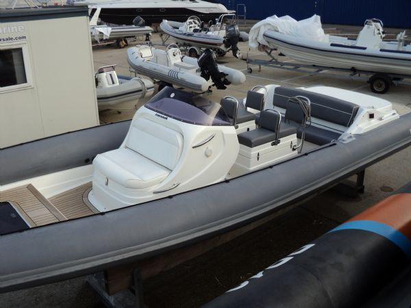 revenger 29 rib with yanmar diesel inboard - seating front_l