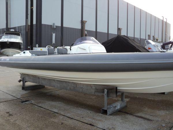 revenger 29 rib with yanmar diesel inboard - side_l